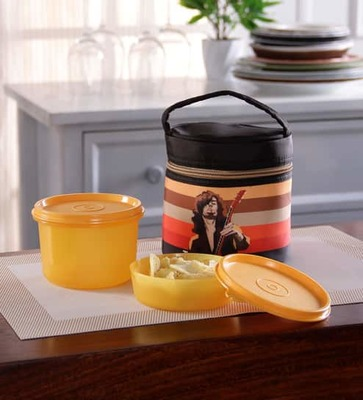 https://cdn0.desidime.com/attachments/photos/107429/medium/tupperware-junior-rocker-plastic-lunch-set-with-insulated-bag-set-of-2-tupperware-junior-rocker-plas-3r2arx.jpg?1480411099
