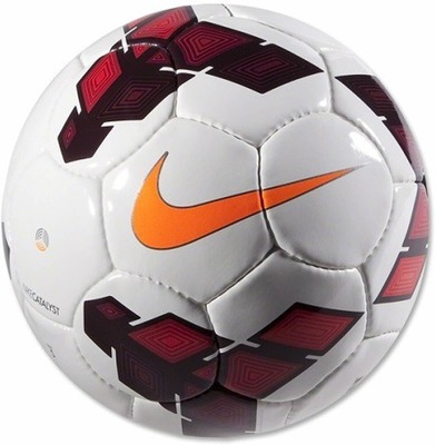 https://cdn0.desidime.com/attachments/photos/107506/medium/22-450-1-nike-football-premier-league-original-imaeakrgb2ggxusw.jpeg?1480442984