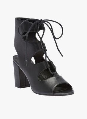 https://cdn0.desidime.com/attachments/photos/243862/medium/3504373Truffle-Collection-Black-Sandals-3130-3385622-1-catalog_s.jpg?1480949183