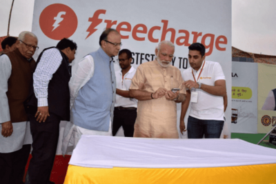 https://cdn0.desidime.com/attachments/photos/245492/medium/3691560Honorouble-Prime-Minister-Shri-Narendra-Modi-with-FreeCharge-CBO-Sudeep-Tandon-using-FreeCharge-Chat-and-Pay-to-pay-for-his-e-rickshaw-ride.png?1480950178