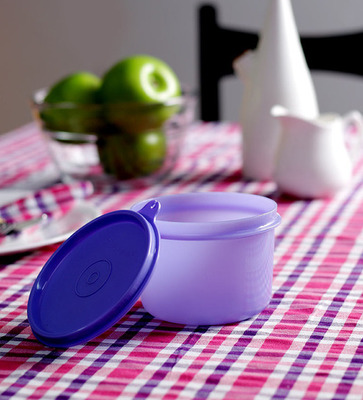 https://cdn0.desidime.com/attachments/photos/263800/medium/3280985tupperware-executive-lunch-bowl---purple-tupperware-executive-lunch-bowl---purple-bf6pwg.jpg?1480961730