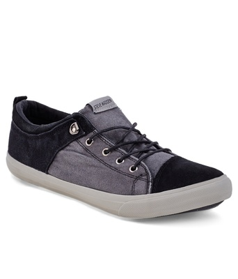https://cdn0.desidime.com/attachments/photos/264975/medium/3471436Steve-Madden-Black-Casual-Shoes-SDL582944377-1-83f80.jpg?1480962335