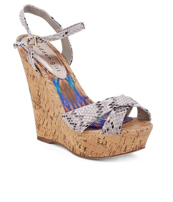 https://cdn0.desidime.com/attachments/photos/268636/medium/3286440Steve-Madden-Multi-Colour-Heeled-SDL330317816-1-a18d5.jpg?1480964550