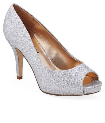 https://cdn0.desidime.com/attachments/photos/268645/medium/3286440Steve-Madden-Silver-Pumps-SDL204320878-1-d8ae5.jpg?1480964554