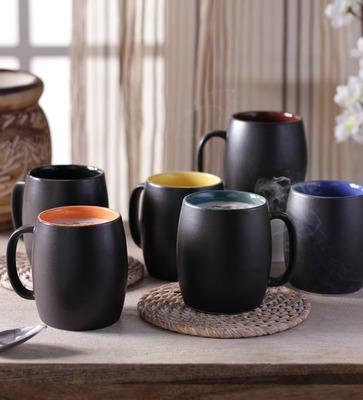 https://cdn0.desidime.com/attachments/photos/277832/medium/3362248cdi-dholak-shaped-stoneware-250-ml-mugs-with-wooden-tray---set-of-6-cdi-dholak-shaped-stoneware-250--c4uccz.jpg?1480969421