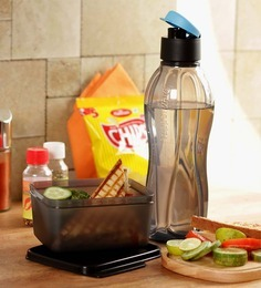 https://cdn0.desidime.com/attachments/photos/279799/medium/3486540tupperware-set-of-2-pcs-extreme-set-bottle-750-ml---box-160-ml-tupperware-set-of-2-pcs-extreme-set-b-k3kpoq.jpg?1480970249