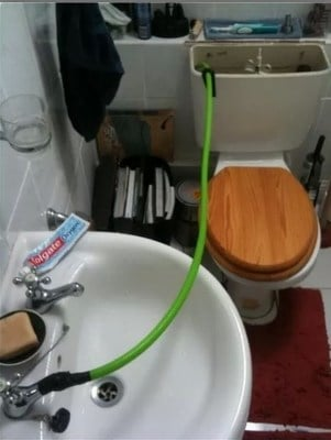 https://cdn0.desidime.com/attachments/photos/444483/medium/1462540-Because-calling-the-plumber-to-fix-the-sink-is-just-too-mainstream.jpg?1481040171
