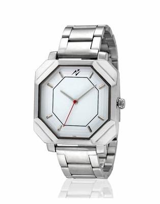 https://cdn0.desidime.com/attachments/photos/457779/medium/3956968yepme-mens-chain-watch-white-slash-silver-21-product.jpg?1486706382