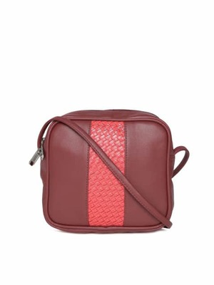 https://cdn0.desidime.com/attachments/photos/459704/medium/397998411480332594428-DressBerry-Brick-Red-Basketweave-Sling-Bag-4461480332594146-1.jpg?1487582266