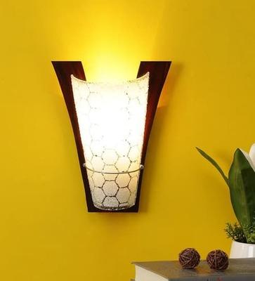 https://cdn0.desidime.com/attachments/photos/516833/medium/4968682transparent-and-brown-glass-and-wood-wall-light-by-the-light-studio-transparent-and-brown-glass-and--qqqscj.jpg?1526189590