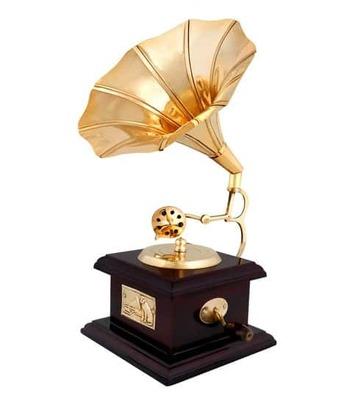 https://cdn0.desidime.com/attachments/photos/521535/medium/5096743cherry---golden-wooden---brass-retro-gramophone-showpiece-by-anantaran-cherry---golden-wooden---bras-oxz2vb.jpg?1530959634