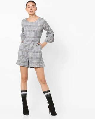 https://cdn0.desidime.com/attachments/photos/525516/medium/5153415only-checked-playsuit-with-flounce-sleeves.jpg?1533210215