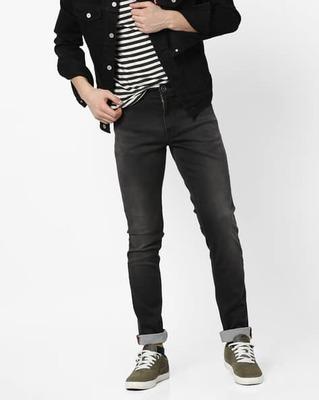 https://cdn0.desidime.com/attachments/photos/525552/medium/5153415ajio-tapered-mid-wash-jeans-with-5-pockets.jpg?1533217441