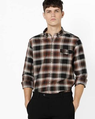 https://cdn0.desidime.com/attachments/photos/525554/medium/5153415flying-machine-checked-shirt-with-button-down-collar.jpg?1533217451