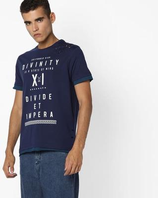 https://cdn0.desidime.com/attachments/photos/526312/medium/5161972ajio-typographic-print-panelled-t-shirt.jpg?1533559099