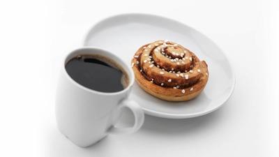 https://cdn0.desidime.com/attachments/photos/526843/medium/5167576cinnamon-bun-coffee-7d8b7fa1c29516978f2d5f248e38c013.jpg?1533880516