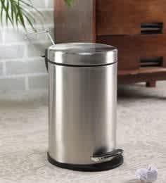 https://cdn0.desidime.com/attachments/photos/554950/medium/5668084steel-one-5-l-stainless-steel-pedal-dustbin-with-inner-plastic-bucket-steel-one-5-l-stainless-steel--00ibpq.jpg?1551504557