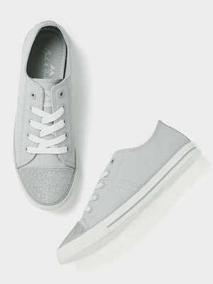 https://cdn0.desidime.com/attachments/photos/556179/medium/568493388fd35a6-4188-48bf-a02b-447830e6044a1530523008080-Mast--Harbour-Women-Grey-Sneakers-8101530523007856-1.jpg?1552301185