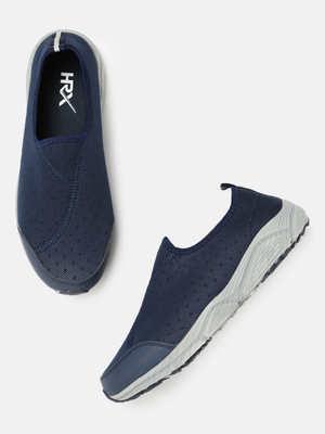 https://cdn0.desidime.com/attachments/photos/574839/medium/595834111510296741706-HRX-by-Hrithik-Roshan-Men-Navy-Blue-Training-or-Gym-Shoes-1921510296741497-1.jpg?1562920711