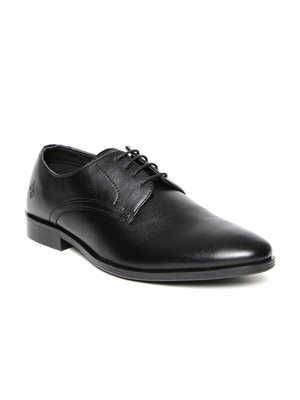 https://cdn0.desidime.com/attachments/photos/584422/medium/609662711485843897710-Bond-Street-by-Red-Tape-Men-Black-Leather-Formal-Shoes-9361485843897588-1.jpg?1568201572