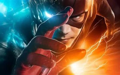 https://cdn0.desidime.com/attachments/photos/588516/medium/6146631The-Flash-hero-hand-m.png?1569951059