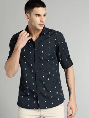 https://cdn0.desidime.com/attachments/photos/601300/medium/642373711524745460724-Roadster-Men-Navy-Blue-Regular-Fit-Self-Design-Casual-Shirt-4201524745460453-1.jpg?1578226021