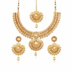 I Jewels Women's Gold Plated Traditional Necklace with Earrings and Maang Tikka (MS115)